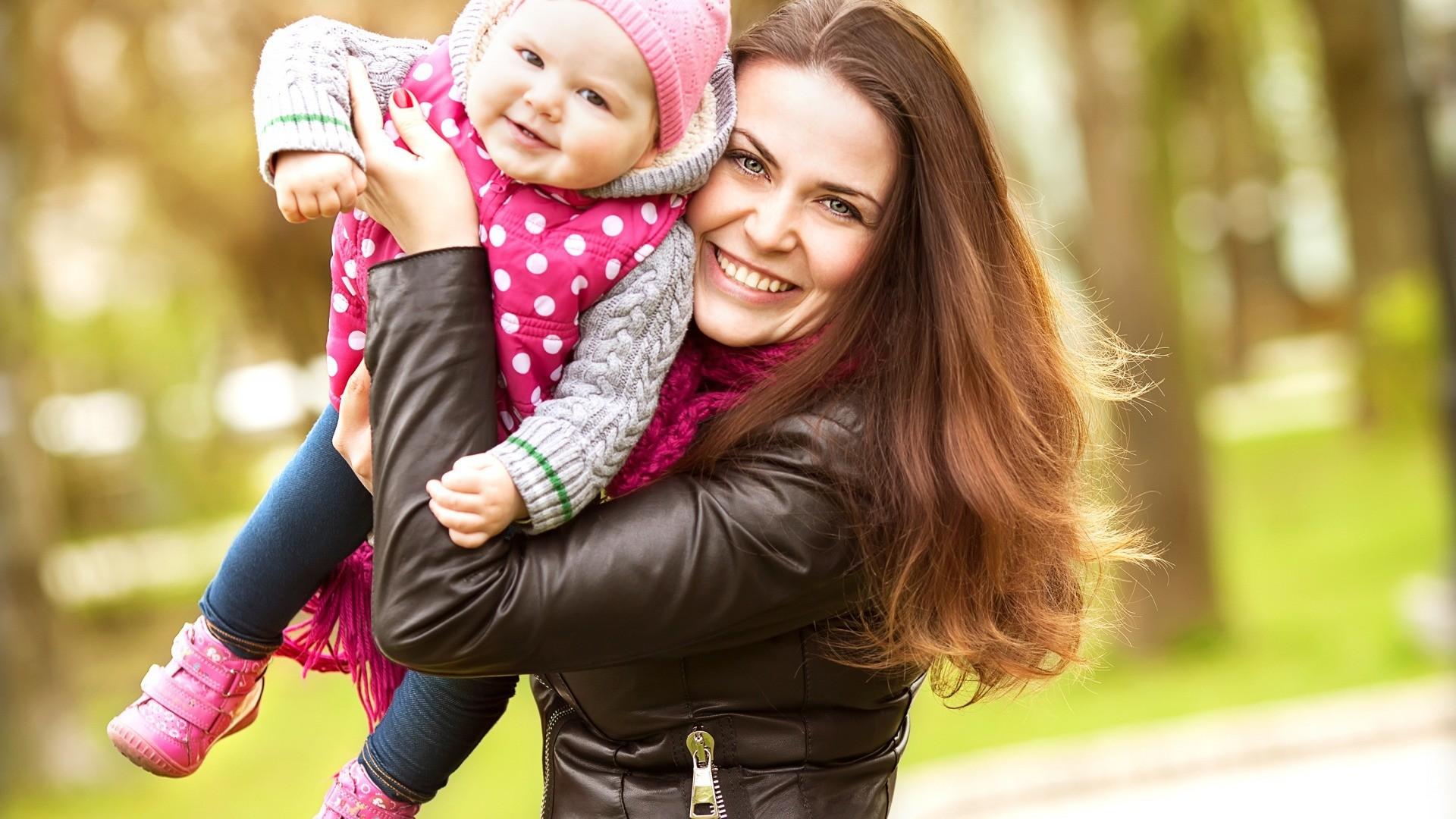 Смотреть онлайн молодая мамочка